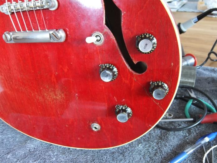 Gibson 335 pot change